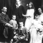 1913: The first and second generation in China – Dr David Dixon Muir and family