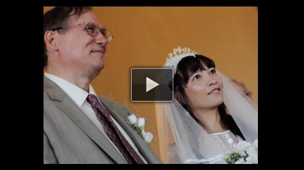 Adam Williams marries Hong Ying