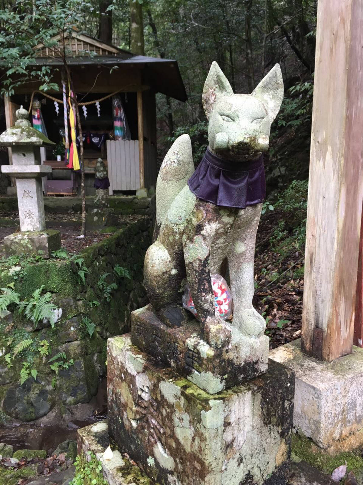 Some had statues on plinths, of foxes, or owls or dragons, which immediately made clear what kami was being worshipped.