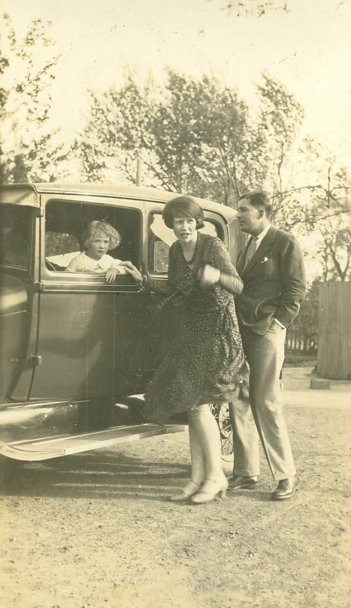 Guy, Catherine and Anne Newmarch in happier times c. 1931 in Tianjin